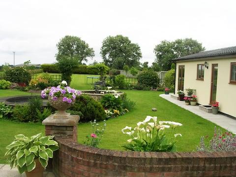 Coastal Garden Lodge