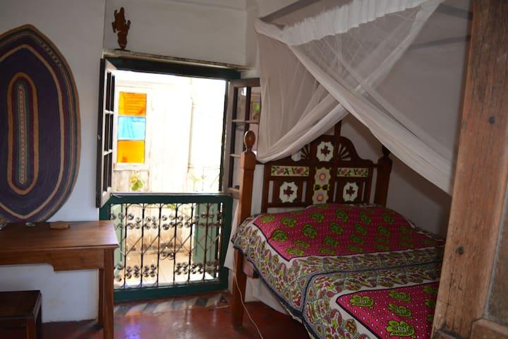 Authentic old Zanzibari Stonetown apartment - Cidade de Zanzibar - Apartamento