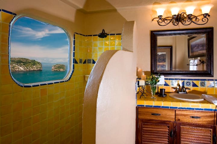 Top floor Junior suite bath, yes it has ocean views!