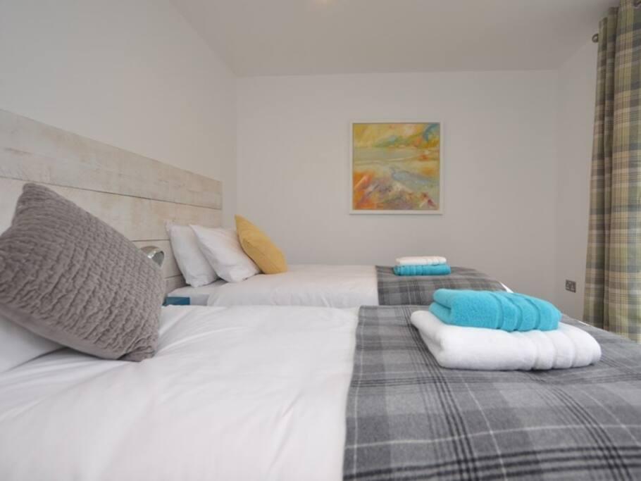 Stunning twin bedroom