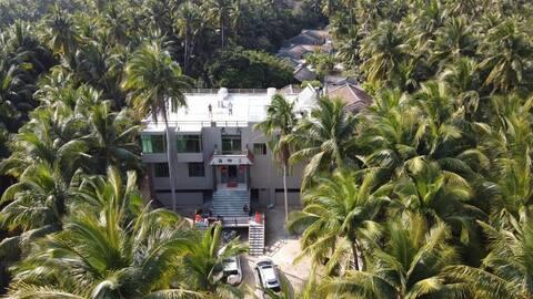 海南东郊椰林风景区海边民宿海椰蓝之家套房一室一卫(标准大床房)