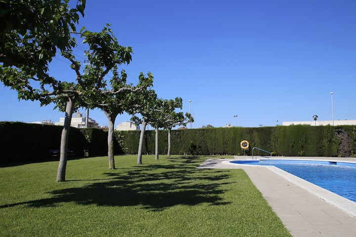 AT039 LES DUNES: Apartment with A/C and pool 300 m from the beach