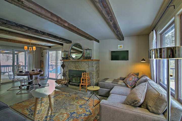 NEW! Renovated 3BR Roxbury House w/ Mtn Views&Deck