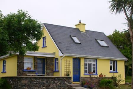 Cozy Ventry Cottage - Dingle - Dům