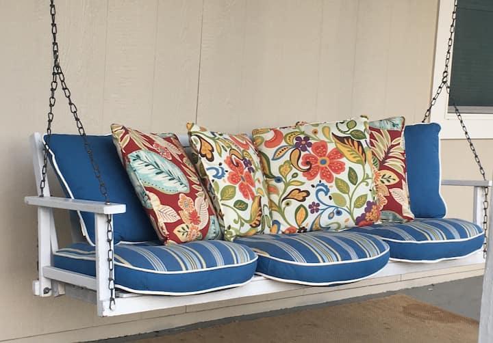 Aruba Reset - Best Airbnb Value in Redding