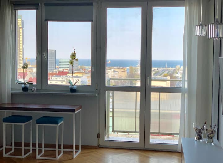 Q4 APARTMENTS - Elizabeth II - view of the sea