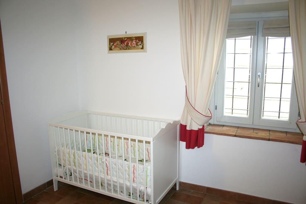 Camera con culla per bambino