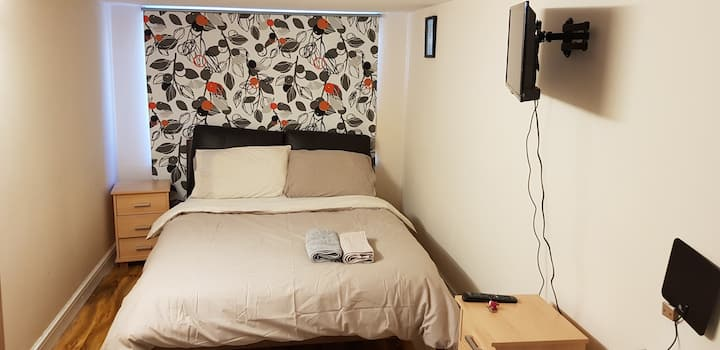 Cheap double bedroom