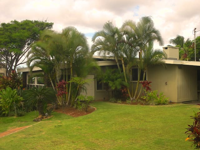 Spectacular Coastline view, 3 bdrm Home in Poipu