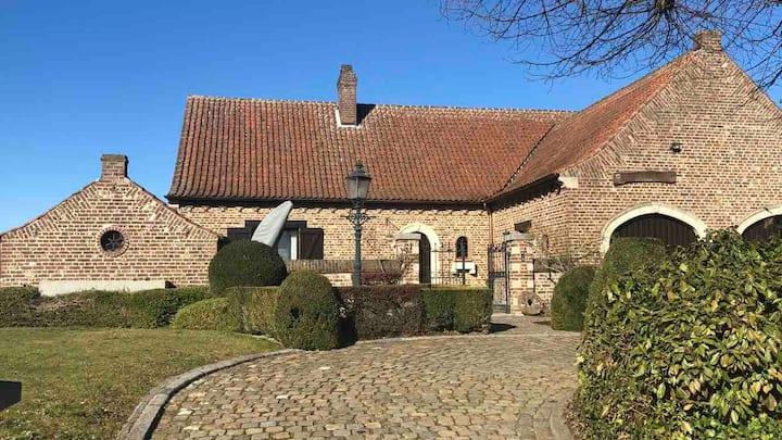 Large villa with sauna, garden & bikes