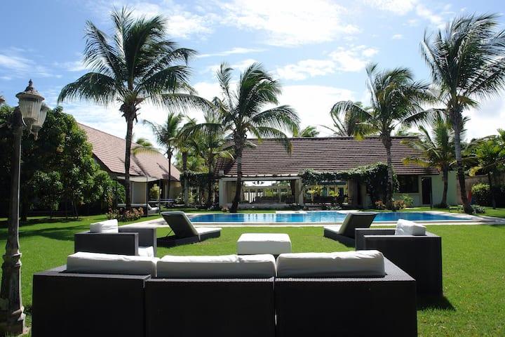 Amazing familiar villa caribbean style!!!