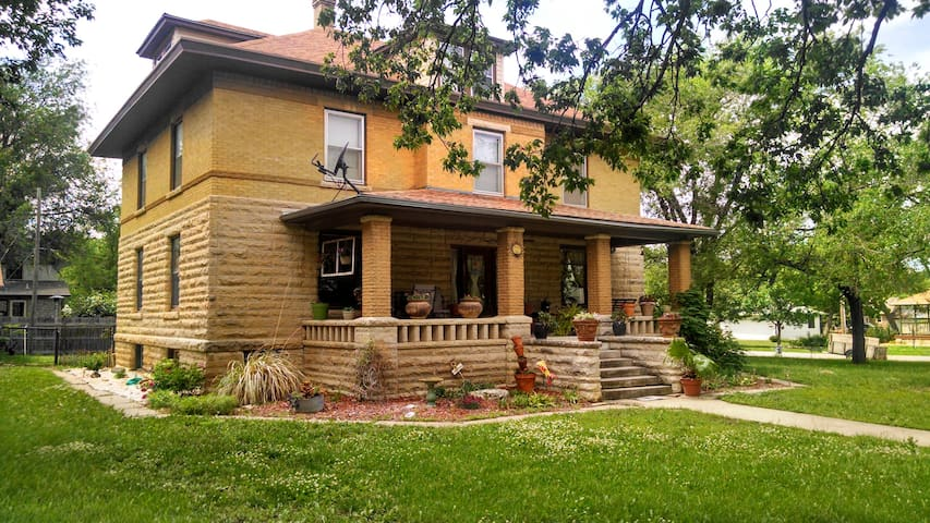 Cozy 5BD with country charm - Cottonwood Falls - Casa