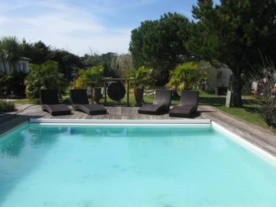 belle piscine chauffée