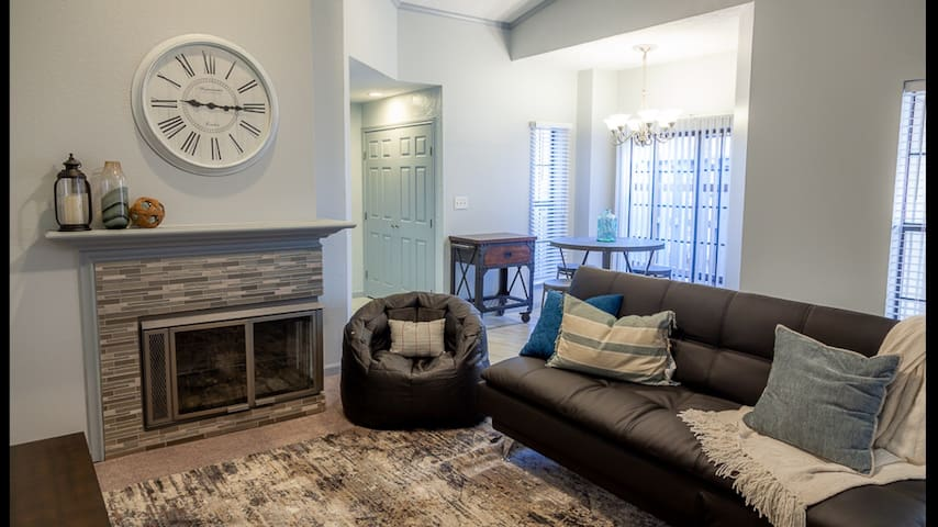CORPORATE *Executive* Condo Newly Furnished Gated