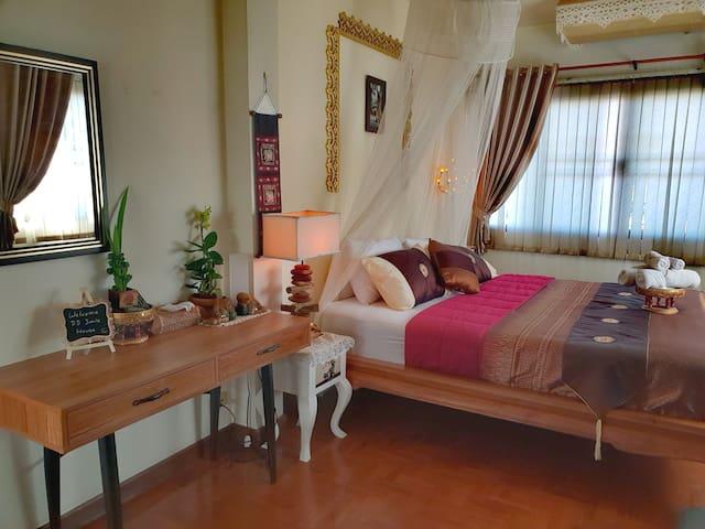 Luxury En-Suite KingSize Bed, DD Garden House