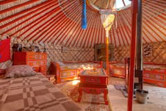Mongolian+yurt+in+the+Old+Land