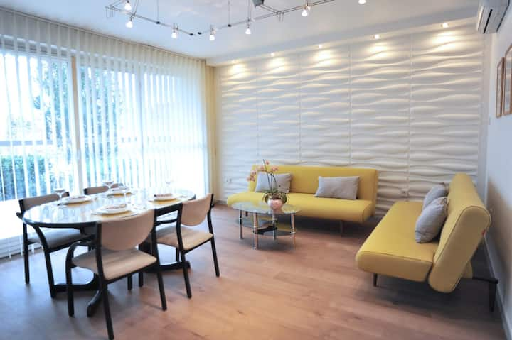 Hillside Premium Apartments - Yellow