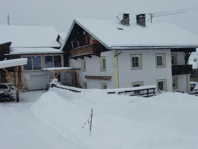 Tiroler Landhaus Oetztal - Sautens - Hus