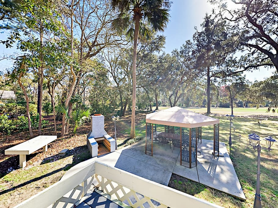 Welcome to Hilton Head! Grill dinner and dine alfresco in a private gazebo overlooking the golf course.