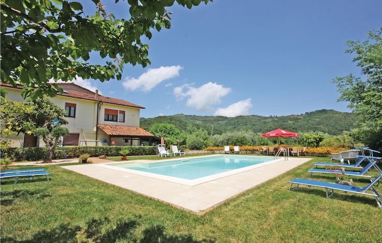 Holiday cottage with 5 bedrooms on 220m² in Sessa Cilento SA