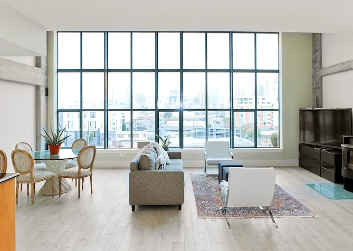 Spacious double story modern loft with city view