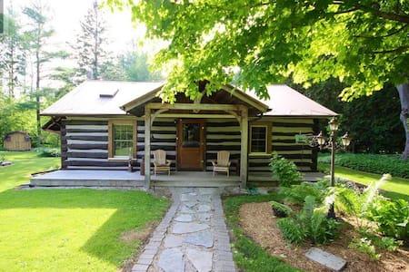 Cozy Log Cabin- Last Minute Opening Oct 1-5