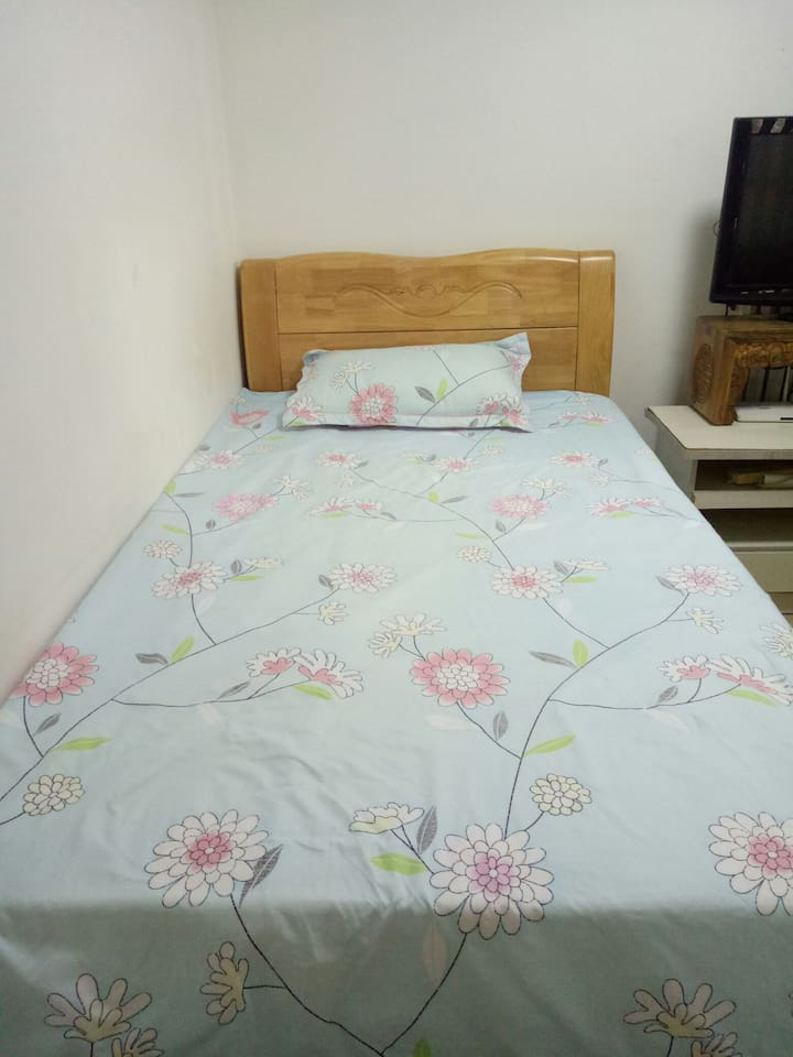 单人床1.2米✘2米