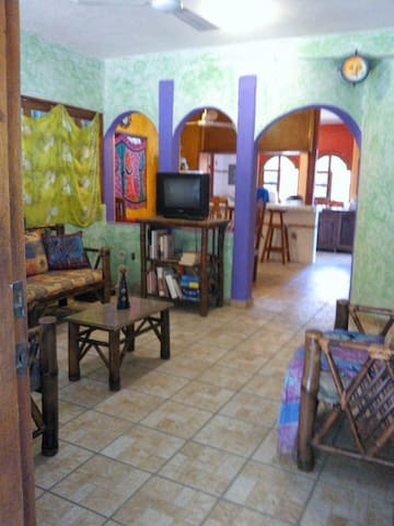 2 BR house in downtown Zihua! - Zihuatanejo - House