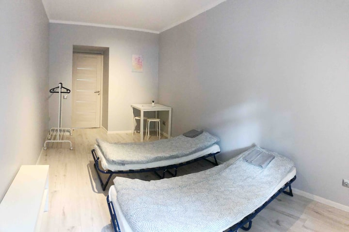Private room (A) in renovated 3 rooms apartment