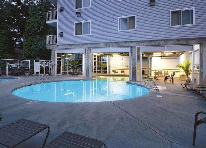 2 Bd Oceanfront Pacific NW Luxury- #TulipFestival - Blaine