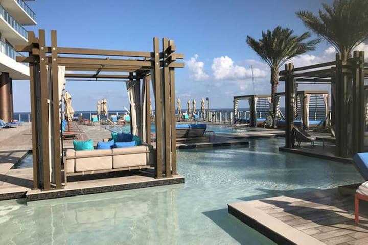 Luxury Apartment Hyde Resort 1b/1bath Oceanfront