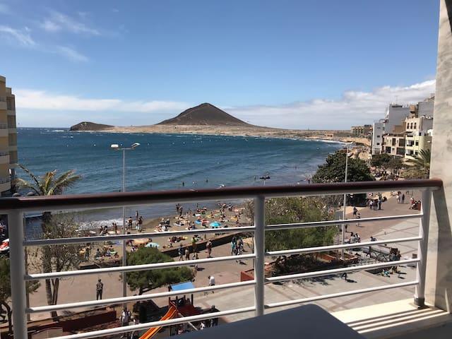 Un apartamento con vistas para disfrutarlo.