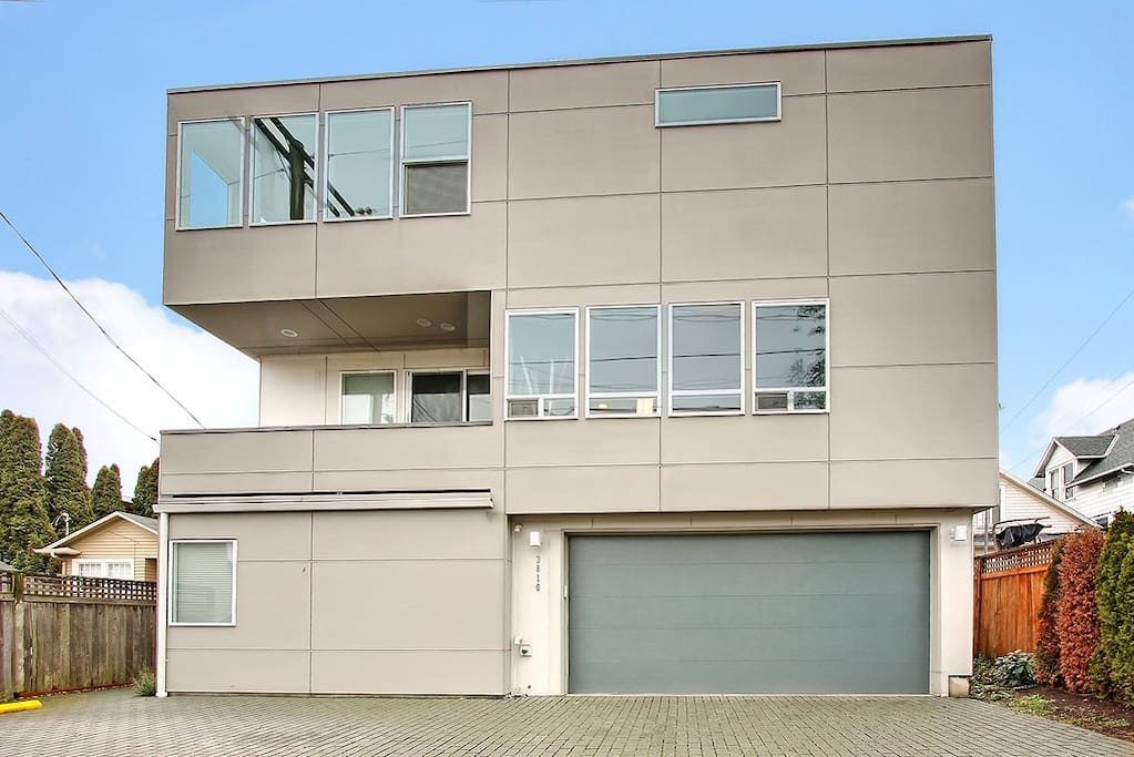 2 car garage 94 walkscore 3br long term 2100sf for Garage a louer 2ememain