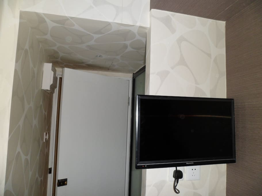 Led TV on wall