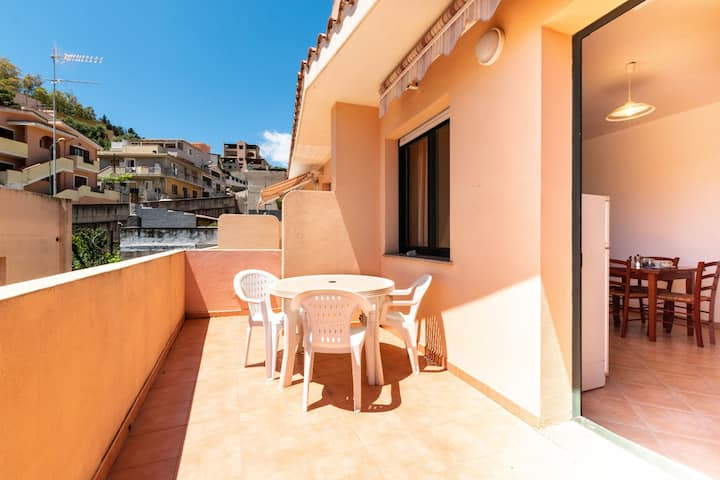 Apartment in the city with balcony and a view – Apartment Cavour H