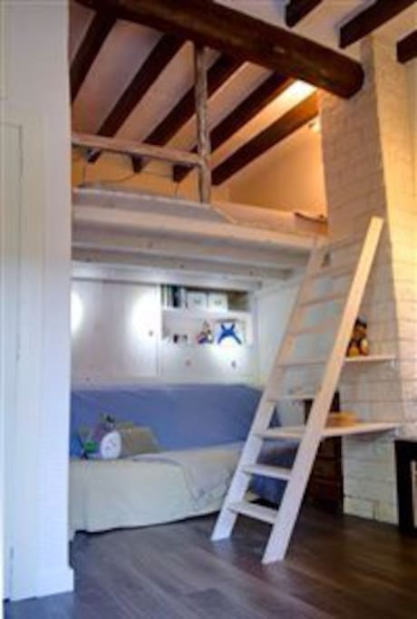 Your cosy loft bed with sofa bed below
