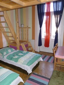 Locomotive Family room - Budapest - Bed & Breakfast