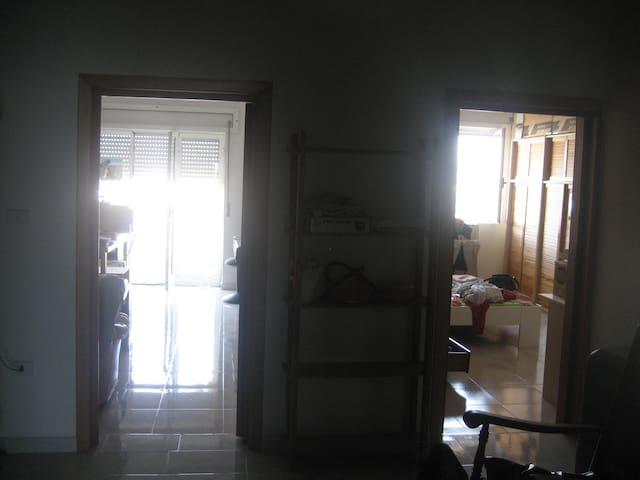Semplice e cortese ospitalità - Lizzano - Apartamento