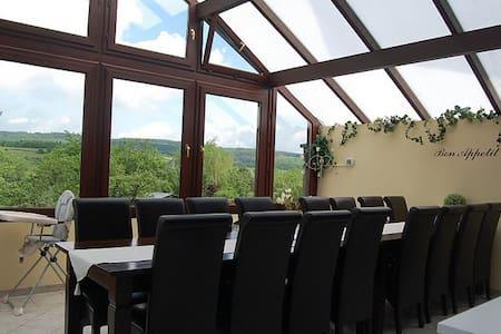 Vrijstaand Vakantiehuis Ardennen 15 pers - Nassogne - บ้าน