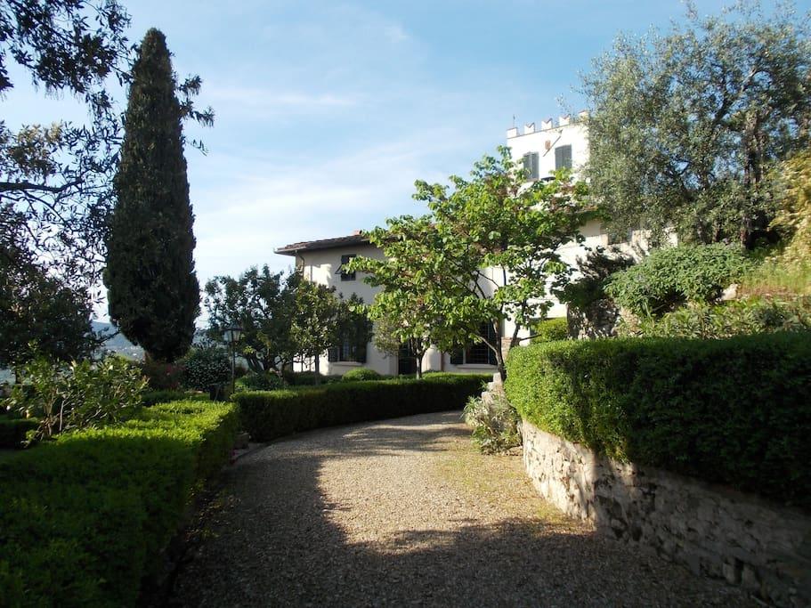 Appartamento in villa con vista su firenze ville in - Magazzino della piastrella e del bagno firenze fi ...