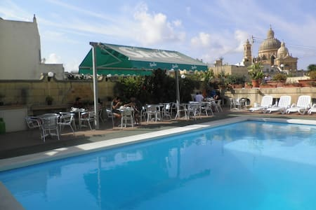 Family run Bed & Breakfast  - Xewkija