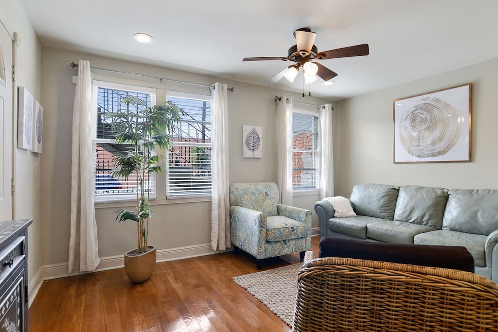 Lovely 1 Bedroom 1 Bathroom Apartment In Treme Condominiums For Rent In New Orleans