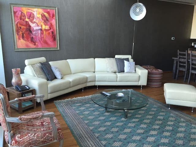 Luxury & Spacious Apartment, Bay Square 12 - Dubai - Apartemen