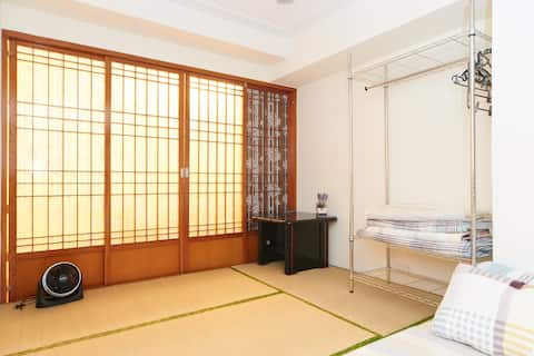 Japanese-style bedroom for 4 people