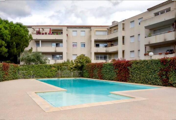Logement entier, résidence sécurisée avec piscine