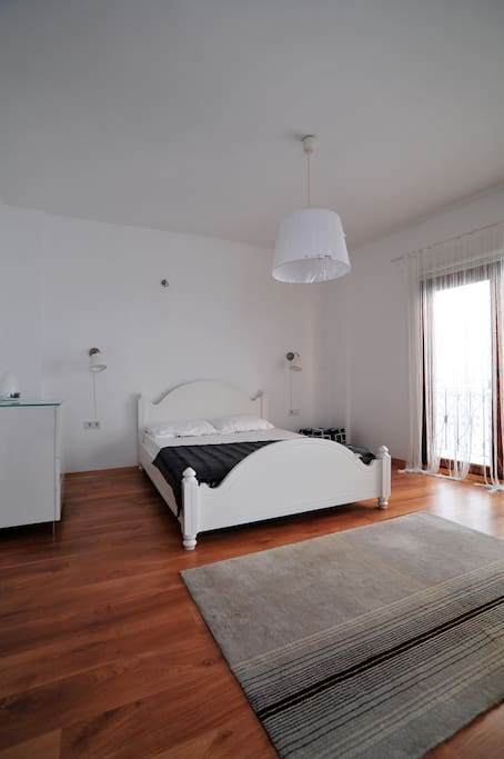 Double bedroom with air-conditioning