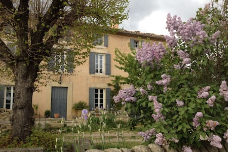 Grand mas de village au pied du Ventoux, 10 pers. - Saint-Pierre-de-Vassols