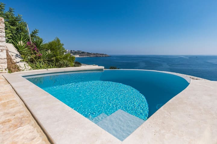 Villa Infinity - Villa by the Sea with swimming pool in Salento, Apulia