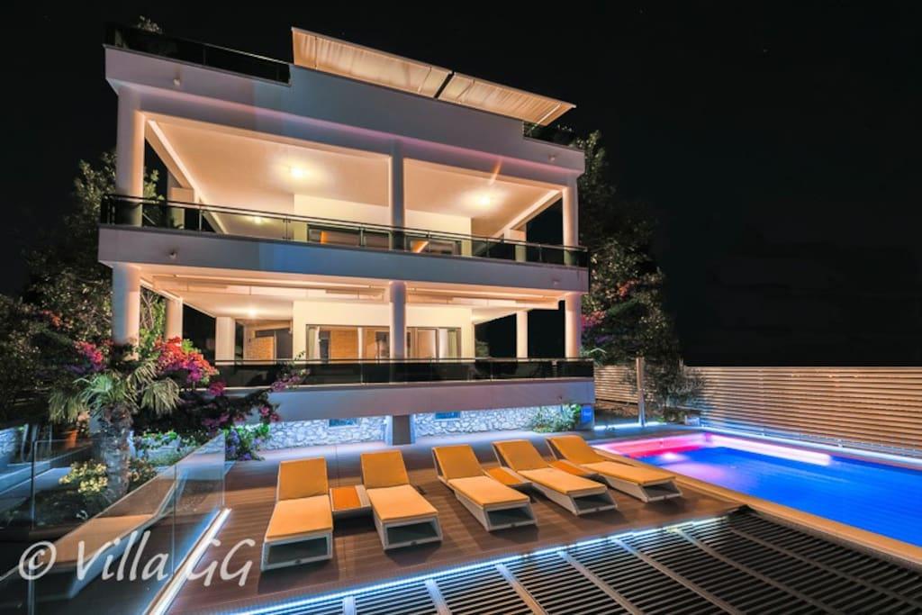 Villa GG: The original villa / Exterior