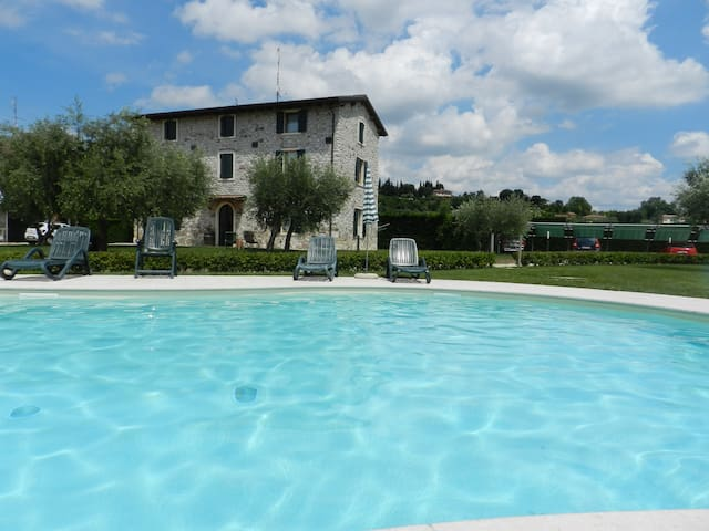 FARMHOUSE LE GINESTRE, good wine and relax - Lazise - Apartamento